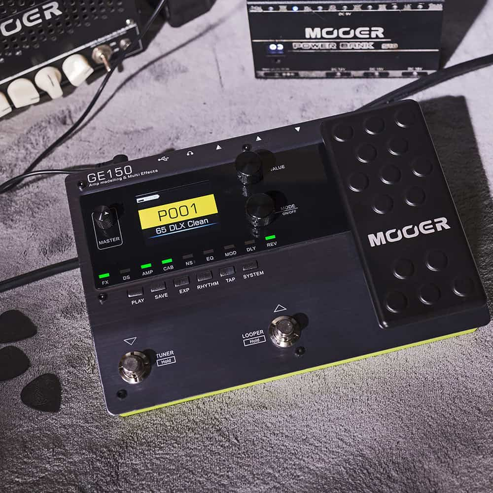 MOOER GE150 vs. Zoom G1X FOUR: Affordable Processor THUNDERDOME!