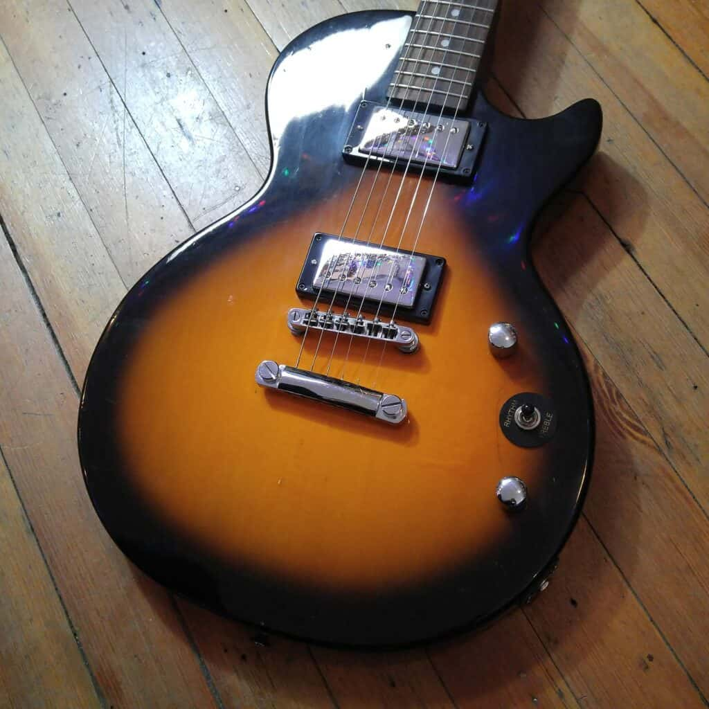 How Many Frets Are On A Les Paul Epiphone?